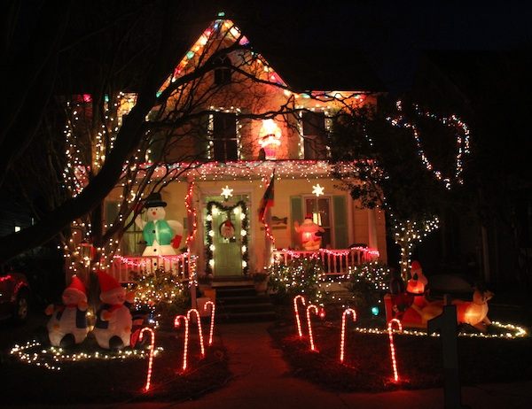 Cape Charles Women's Club awarded 1st Place in their annual Christmas Holiday Decorating Contest to Jim & Jennie Potts of 610 Randolph Avenue. Merry Christmas everyone! (Wave photo)