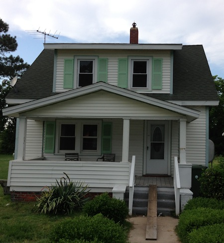 New Historic District Review Board denied a request to remove the non-working chimney at 621 Jefferson Avenue. (Wave photo)