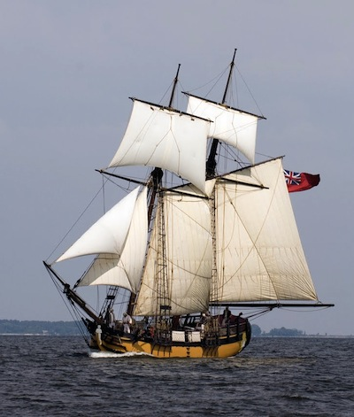 Schooner Sultana in full sail