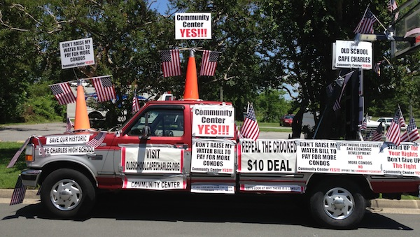 Majority of Town Planning Commissioners expressed outrage over sign-fested truck. (Wave photo)