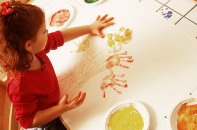 child-finger-painting