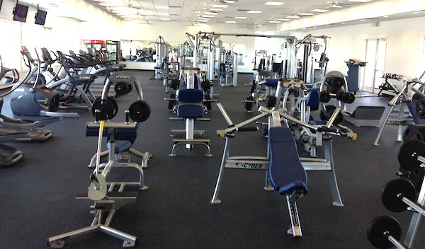Forget the beach -- the new Bay Creek facility is really a large, impressive gym. (Wave photos)