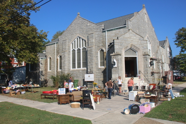 One of many yard sales at the Christian School. (Wave photo)